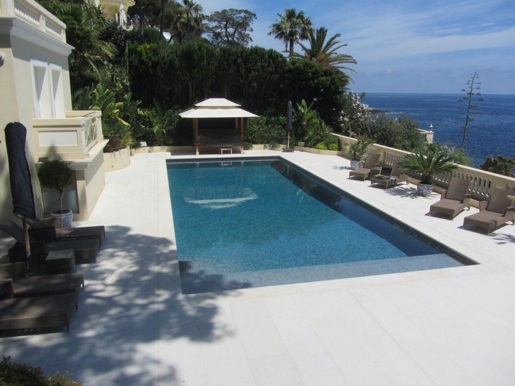 STS Côte d'Azur, nos réalisations, étanchéité résine sous carrelage + plage piscine - Cap d'Ail