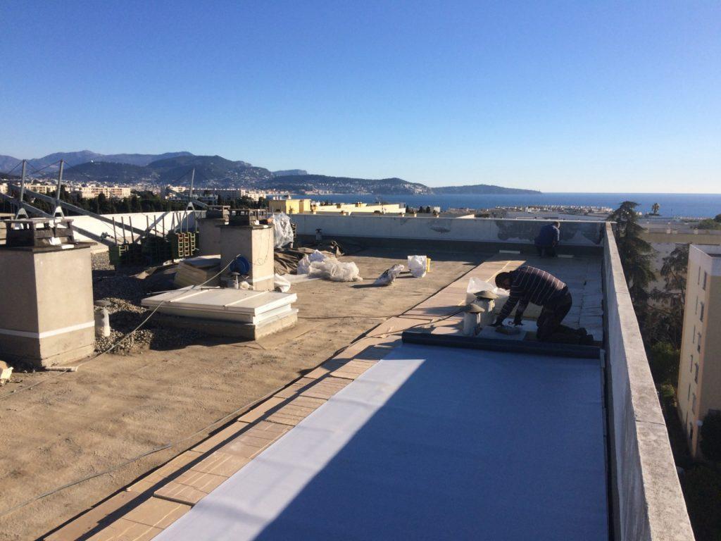STS Côte d'Azur, nos réalisations, étanchéité toit terrasse membrane synthétique traitée anti UV + isolation polyuréthane - Nice