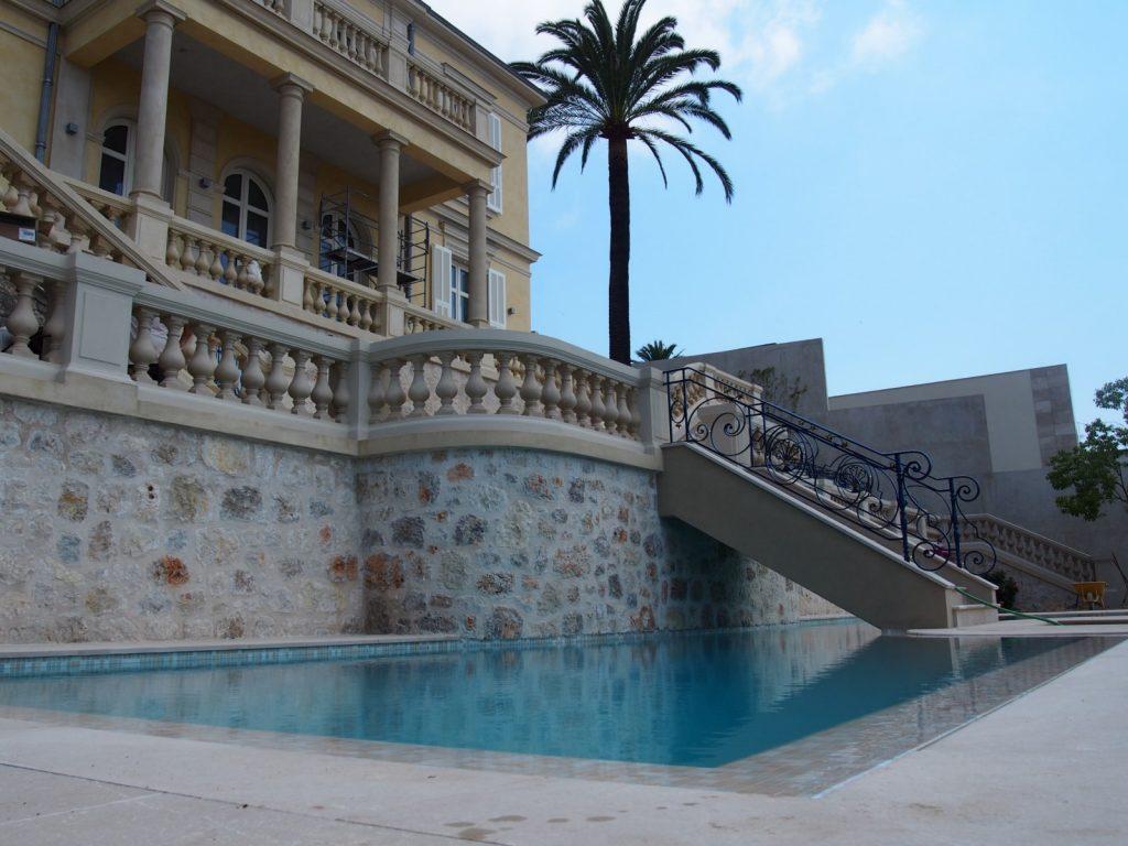 STS Côte d'Azur, nos réalisations, étanchéité piscine résine + carrelage - Nice le port